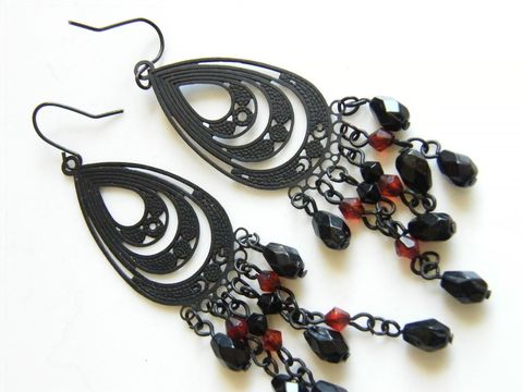 Vintage,Kidney,Wire,Earrings,Goth,Jet,Black,Metal,,Wine,Red,Fringe,Beads,,Beads,on,Chains,Jewelry,earrings,wine,red,beads,dangles,kidney,wire,goth,facet_cut,pressed_metal,jet_black,avant_garde,fringe,metal,plastic,chains
