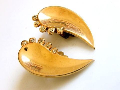Vintage,Clip,Earrings,Tear,Drop,Gold,Tone,,Rhinestones,,Charm,Signed,Jewelry,rhinestones,clip_ons,charm,pareshaped,goldtone,teardrop,ovals,vintage_earrings,crystal_rhinestones,clip_backs,designer_signed,black_friday_etsy,cyber_monday_etsy,metal