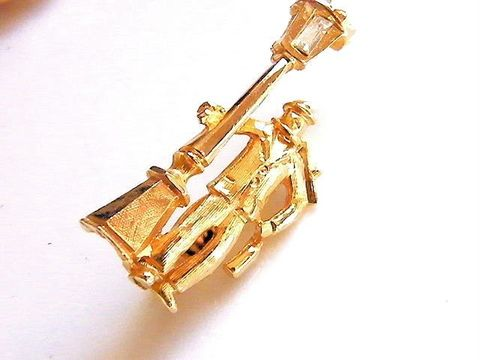 Vintage,Brooch,,Pin,,Small,Gold-Tone,Man,Leaning,on,Rhinestone,Lamp,Post,Jewelry,Brooch,figure,figural,man,lamp_post,rhinestone,rhinestone_lamp,brooch,pin,vintage,white,gold,holiday_jewelry,tone,metal