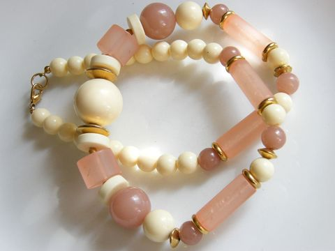 Vintage,Necklace,Opaque,Pink,&,Cream,White,Beaded,Matinee,Length,Fashion,Statement,Jewelry,vintage_necklace,pink_beads,cream_beads,graduated,pastel_pink,golld_tone,seperaters,round,drum,tube,beads,opaque_pink,fashion_statement,plastic,metal