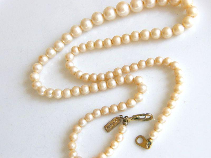 Marvella Jewelry - enchantedlearning.com
