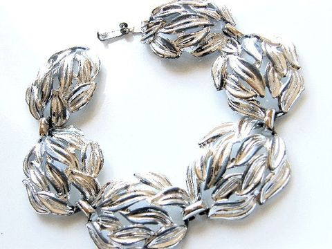 Vintage,Bracelet,,1960's,Cupped,Leaves,,Silver-Tone,Links,Jewelry,Bracelet,metal,silvertone,cupped,leaves,design,used,open,snap,closure,cuff_bracelet,cupped_leaves,vintage,silver,tone