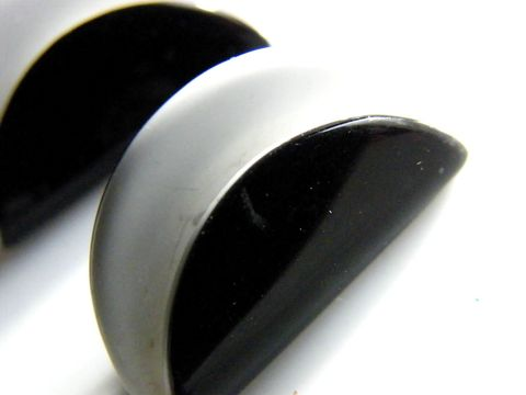 Vintage,MOD,Post,Earrings,,Black,White,Taco,Shell,Look,Jewelry,black,white,enamel,taco,design,metal,silvertone,black_and_white,taco_earrings,vintage_posts,vintage,Mod,Minimalist
