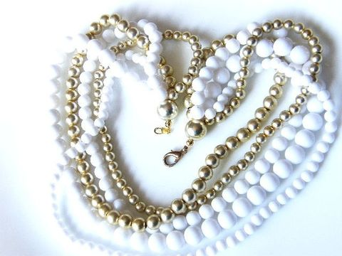 Vintage,Choker,Necklace,,5-Strand,Holiday,Winter,Snow,White,Gold,Beads,Jewelry,Necklace,vintage_necklace,choker_necklace,5_strand,graduated_beads,white,gold,choker,multi_strands,winter_snow_white,gifts_for_women,pearl_jewelry,plastic,beads