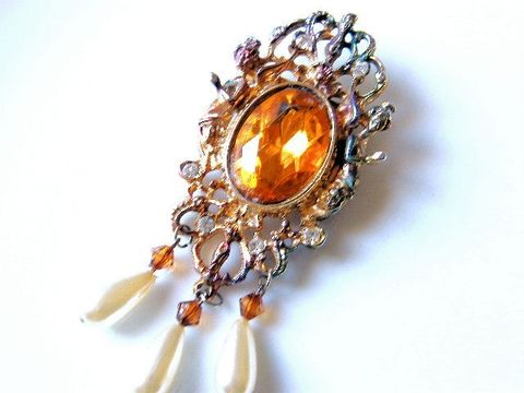 Vintage,Victorian,Shield,Brooch,Glam,Sparkle,Honey,Amber,Citrine,Cab,,Rhinestones,Jewelry,Shield_Brooch,Edwardian,amber_cab,rhinestone,goddess,pearl_dangles,gold,citrine,glam,sparkle,holiday_jewelry,november_birthday