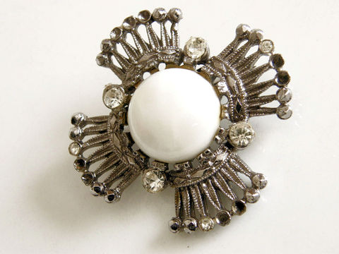 Vintage,Crown,&,Shield,Brooch,,Pot,Metal,,Pearl,Cabochon,,Crystal,Rhinestones,Crown brooch, pot metal crystal rhinestones, neoclassical, silver, white, shield brooch, pearl cabochon, shabby, Edwardian, 1940