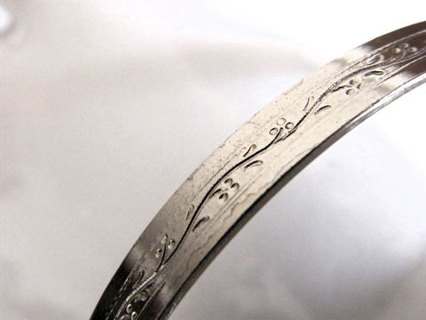Vintage,Cuff,Bangle,Bracelet,,Silver,Tone,Etched,Flower,Design,vintage bracelet, Bangle, wrist, cuff, flower, floral, vine, etched design, bangle bracelet, silver, fashion, etched flowers, woodland