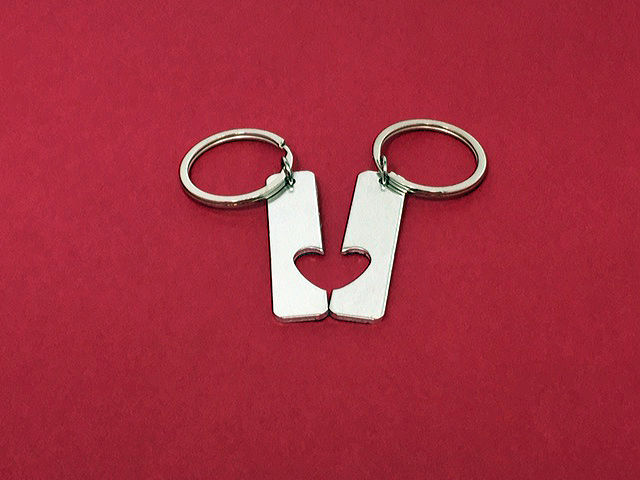 heart cut out aluminum bar keychains personalized couples keychains