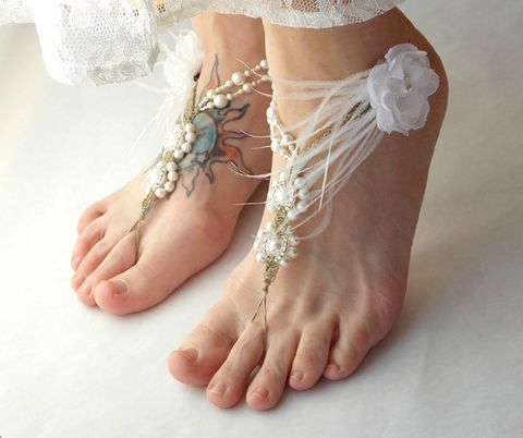 Wedding,Barefoot,Sandals,White,Ostrich,Feather,Detail,barefoot sandals, toe thong, wedding sandals, open toe sandals, white wedding shoes, beach sandals, beach wedding, bridal sandals, feather sandals, white wedding, destination wedding