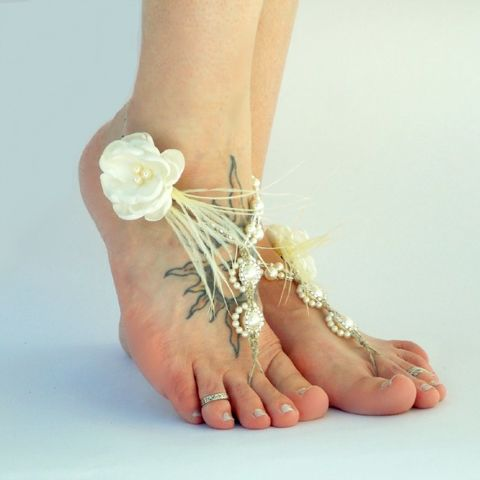 Wedding,Barefoot,Sandals,Ivory,Ostrich,Feather,Detail,Ivory barefoot sandals, toe thong, wedding sandals, open toe sandals, cream wedding shoes, beach sandals, beach wedding, bridal sandals, feather sandals, destination wedding, bride-to-be, wedding-planning, beach-honeymoon