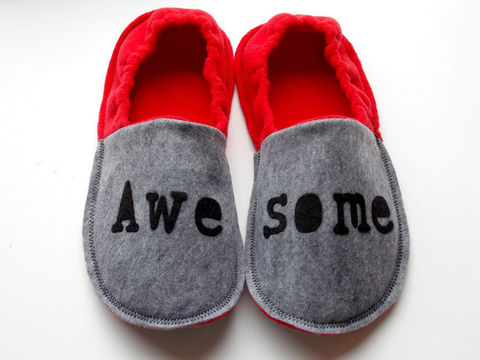 Awesome,Cozy,Slippers,for,Men,gift-for-man, men-gift, slippers-men, men-slippers, men-houseshoes, teen-slippers, boy-slippers, teen-house-shoes, teen-boy-gift