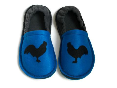 Year,of,the,Rooster,,King,Roost,Men,Slippers,,Chicken,Funny,Gift,for,Guys,men-slippers, king-of-the-roost, rooster-gift-men, chicken-gift-men, men-houseshoes, house-shoes, slippers-men, chicken-farmer-gift, indoor-shoes