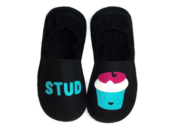 stud-muffin-slippers-men-gift