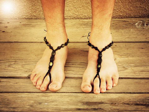 Men,Barefoot,Sandals,in,Green,Serpentine,and,Black,green-serpentine-gemstones, men-barefoot-sandals, barefoot-sandals, men-sandals, bare-sole-shoes, men-footwear, men, men-jewelry, men-foot-jewelry, barefoot-movement-wear
