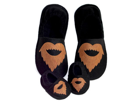 New,Daddy,Gift,Set,-Slippers,for,Baby,and,Dad-,Bearded,Man,Wanna,Cuddle,baby-gift, new-daddy,stud-muffin, mini-muffin, funny-gift-men, dad-gift, valentine-gift, baby-shower, baby-boy, baby-booties, felt-slippers, handmade-slippers, fathers-day-gift, gift-for-men, dad, house-shoes, handmade,