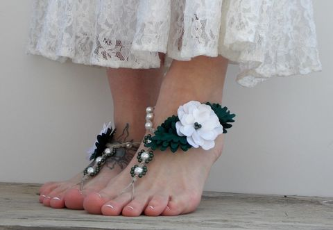 White,flowers,with,greenery,wedding,sandals,,barefoot,jewelry,pantone-greenery-wedding, wedding-footwear, beach-wedding-shoes, wedding-sandals, white-flower-sandals, barefoot-sandals, barefoot-jewelry, beach-footwear