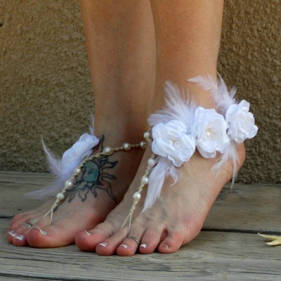 feather-wedding-barefoot-sandals