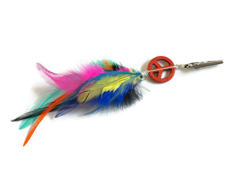 Multi-Color,Feather,Roach,Clip,Peace,Sign,feather-hair-clip, feather-roach-clip, roach-clip, feather-clip, peace-clip, peace-feathers, multi-color-feather-clip, short-hair-feathers, feathers-hair, hair-feathers, joint-feathers, joint-clip, 80s-feathers, 80s-clip, feathers-on-clip, dirty-hempies