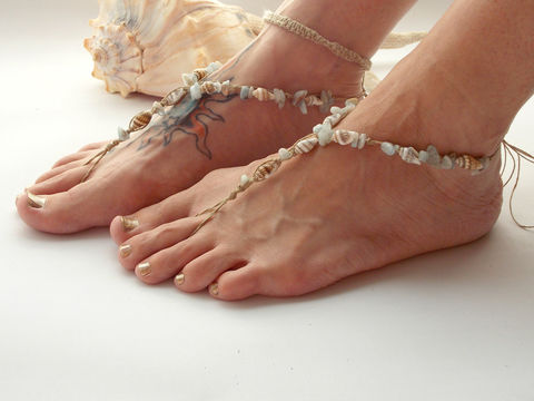Aquamarine,Seashells,Barefoot,Sandals,toe-Jewelry,Anklet,Beaded,barefoot_sandals,barefoot_jewelry,barefoot_sandal,beach,free_spirit,sandal,barefoot,toe_thong,beach_jewelry,aqua_blue,foot_jewelry,ankle_bracelet,hemp, seashell-jewelry