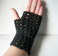 Black,Lace,Gloves,Open,Filet,Style,Crochet,Fingerless,Accessories,fingerless_gloves,women,acrylic,wristwarmers,wrist_warmers,handmade_gloves,lace_gloves,black_gloves,goth_gloves,victorian_gloves,black_lace_gloves