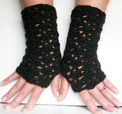 Black,Lace,Fingerless,Gloves,Victorian,Goth,crochet,accessories,gloves,women,long,acrylic,wristwarmers,shells,wrist warmers,fingerless,goth,black lace fingerless gloves