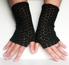 Black,Fine,Lace,Fingerless,Gloves,For,Goth,Wedding,Crochet,Accessories,crochet,fingerless_gloves,victorian_wedding,lace_scallops,gauntlets,handmade_wedding,custom_wedding,black,goth,goth_wedding,fine_lace_gloves,size_10_crochet_cotton