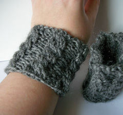 Hand Knit Cable Bracelet Charcoal Gray Wool Wrist Band Coffee Cup Cozy - product images 3 of 5