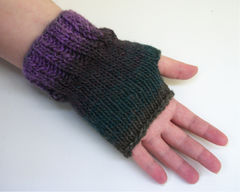 Knitting,Pattern:,One,Skein,Easy,Fingeless,Gloves,knitting_pattern,pdf_pattern,fingerless_gloves_pattern,knit_pattern,gloves_pattern,stockinette_stitch_pattern,knit_fingerless_gloves_pattern