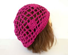 Boysenberry,Pink,Lace,Slouch,Hat,Bamboo,Wool,bamboo wool, lace slouch hat, pink slouch hat, boysenberry pink, fishnet lace hat, diamond motifs, flower motif