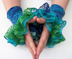 Ruffled,Wrist,Cuffs,-,All,Colors,ruffled_wrist_cuff,Ruffled_wrist_warmer,Victorian_gothic,Girly_ruffles,hot_pink,Black_and_purple,green_and_blue,red_and_purple,mermaid_costume,vampire_costume,blood_red