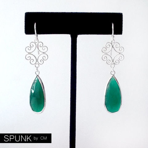 Sterling,Silver,Dangle,Earrings,-,Green,Onyx,The,Cocktail:,Filigree,Teardrop,Jewelry,gemstone_earrings,green_onyx_earrings,bridal_jewelry,bridesmaid_earrings,garden_wedding,silver_drop_earrings,teardrop_earrings,filigree_earrings,spunkbycm_etsy,toronto_jewelry,black_friday,green_silver,green_onyx_filigree,sterling silver