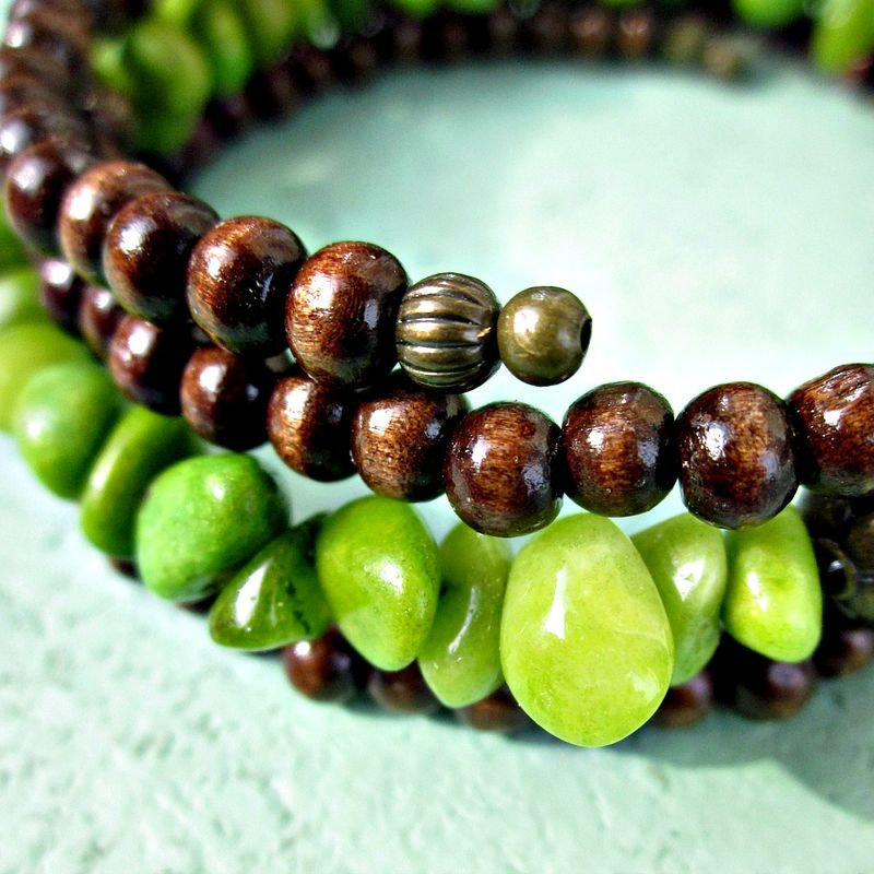 Beaded Bracelet with Dark Wood and Green Stone Chips: Foray - product images  of