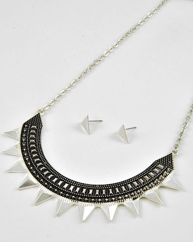 Antique,Silver,Spike,Necklace,and,Earrings,Set