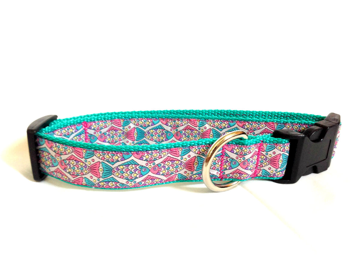 The preppy kissing fish dog collar pawsitive style for Fish dog collar