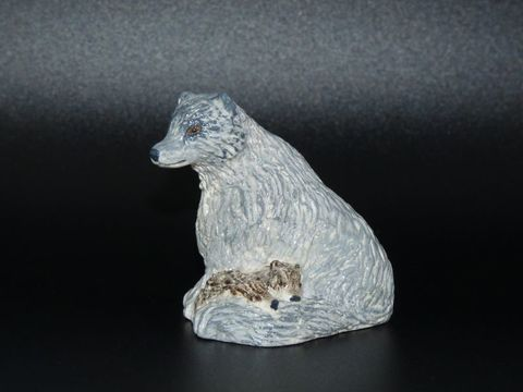 Wolf,Mother,and,Cubs,statue,wolf statue,wolf figurine,wolf cub,wolf pup,wolf mother,tawny wolf,grey wolf,gray wolf,wolf ornament