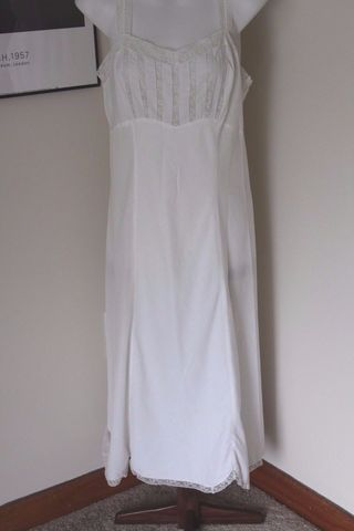 Vintage,Barbizon,Full,Slip,Estoril,Zephaire,Batiste,White,Sz,12,1950s,vintage full slip, barbizon, estoril, zephaire, batiste, slip dress, 1950s slip, crossdresser, fancypantsandmore, ourblueridgehome