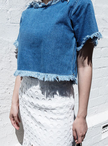 AGNES,|,Denim,Cropped,Top,With,Frayed,Hem,denim;theonlylabel;finderskeeper