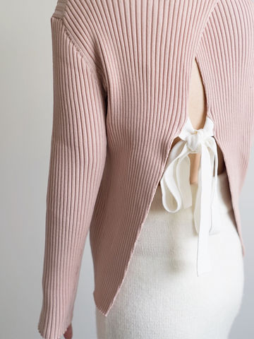 Pink,Back,Bow,Knit,bow, bow knit, open back knit, knit, dark knit, pink knit,