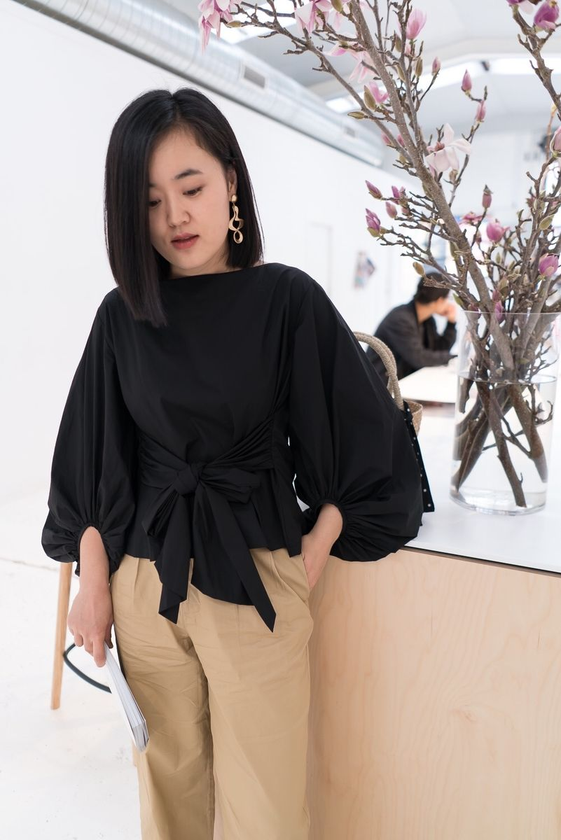 Black Puff-sleeve Crop Top - product images  of