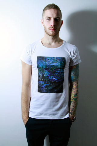 Jung,trikki, baroque, streetwear, scoop neck, low cut, wide collar, indie, festival, premium, t-shirt, cathedral, grunge, punk, fashion, style, london