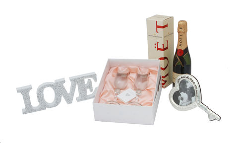 Engagement,Gift,Collection,Engagement Gifts, Wedding Gifts, Engagement Hamper