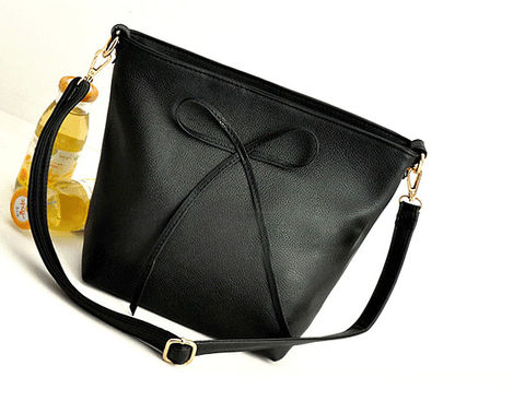 BOW,DECORATION,MESSENGER,BAG