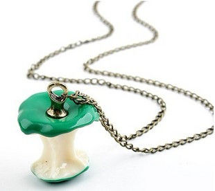 APPLE NECKLACE - product image