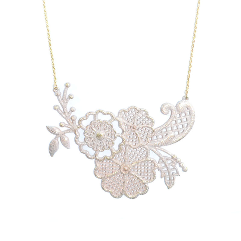 HOLLOW FLOWER AND LEAVES PATTERN PENDANT NECKLACE - product image