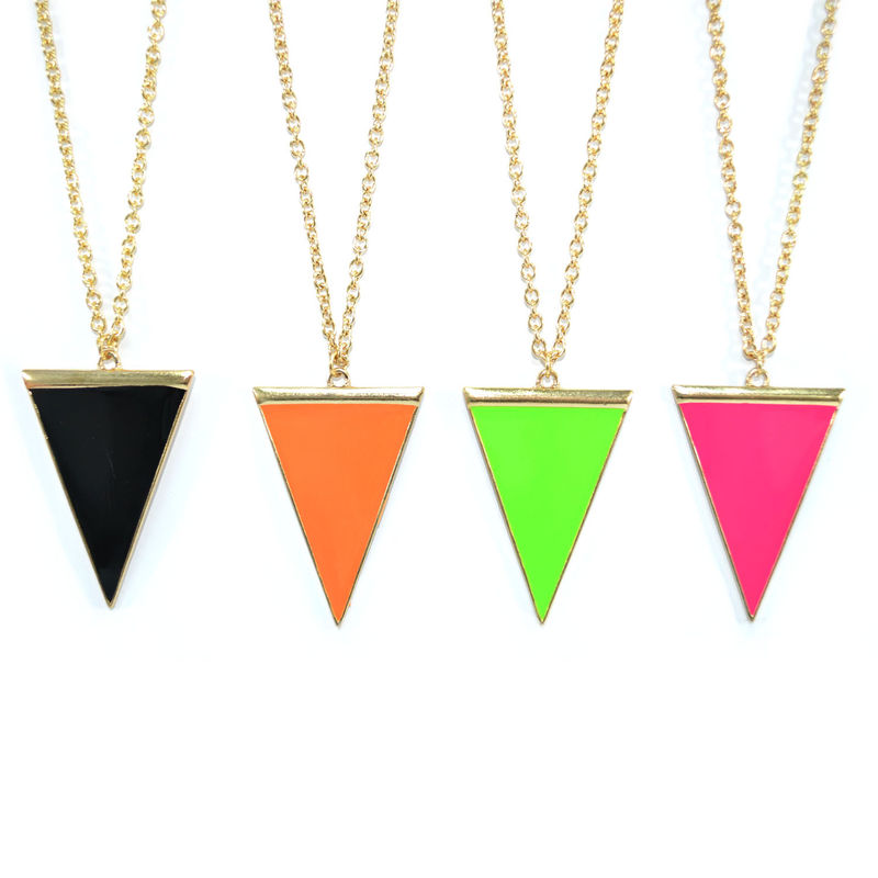 GOLD TONE WITH TRIANGLE NECKLACE - product image