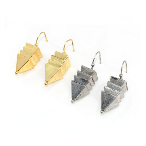 METAL,TRIPLE,PYRAMID,DROP,EARRINGS