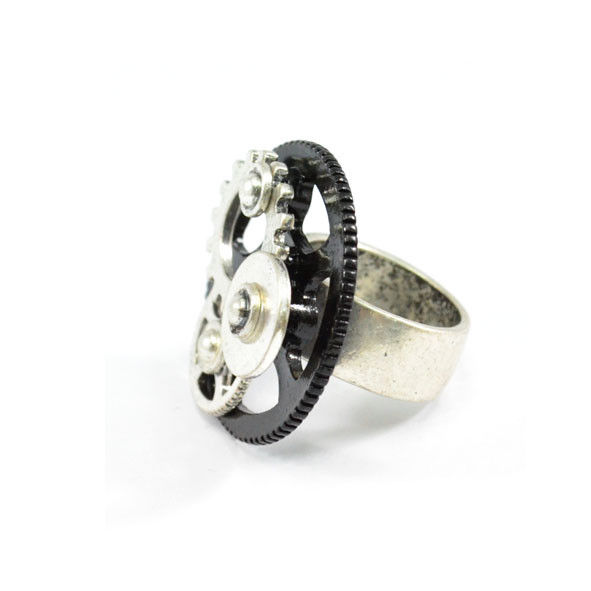 METAL GEAR RING - product image