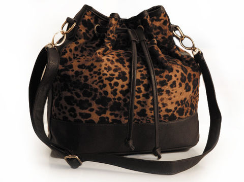 LEOPARD,PRINT,WITH,FAUX,LEATHER,BOTTOM,SHOULDER,BAG