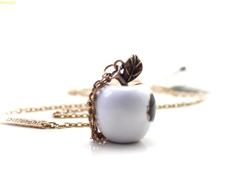 111,VINTAGE,HOLLOW,APPLE,NECKLACE