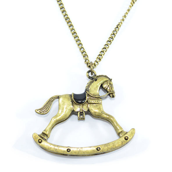 VINTAGE GOLD TROJAN NECKLACE - product image